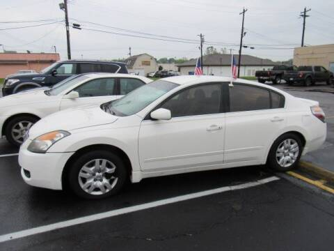 2009 Nissan Altima for sale at Cardinal Motors in Fairfield OH