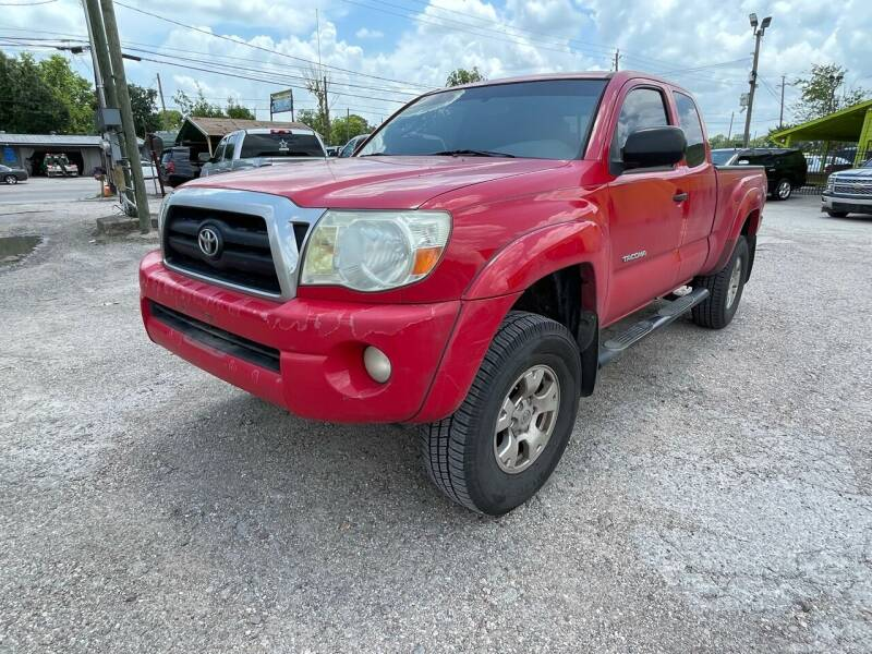 2005 Toyota Tacoma for sale at RODRIGUEZ MOTORS CO. in Houston TX