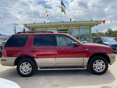 2005 Mercury Mountaineer for sale at Super Trooper Motors in Madison WI