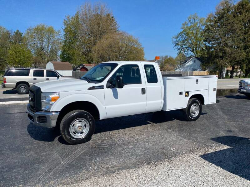 2011 Ford F-250 Super Duty for sale at MOES AUTO SALES in Spiceland IN