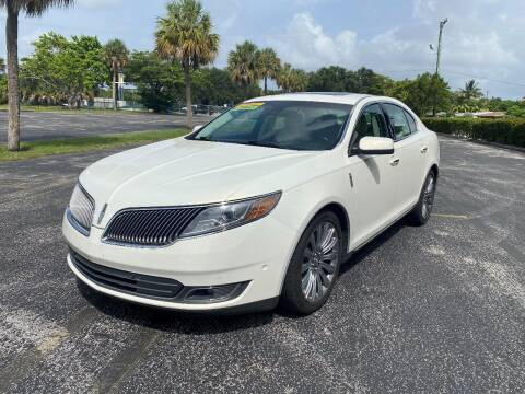 2013 Lincoln MKS for sale at Lamberti Auto Collection in Plantation FL