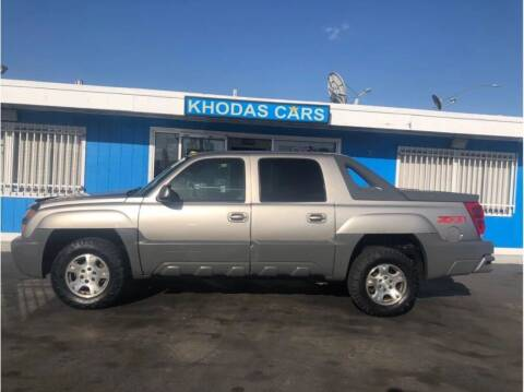2002 Chevrolet Avalanche for sale at Khodas Cars in Gilroy CA