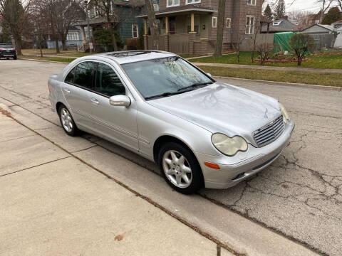 2002 Mercedes-Benz C-Class for sale at RIVER AUTO SALES CORP in Maywood IL