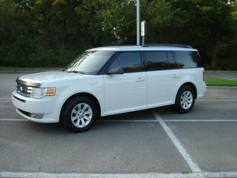 2010 Ford Flex for sale at ACH AutoHaus in Dallas TX