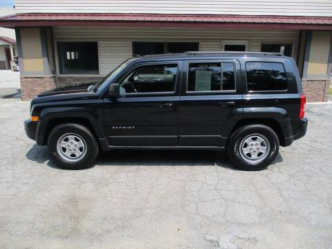 2011 Jeep Patriot for sale at Settle Auto Sales STATE RD. in Fort Wayne IN
