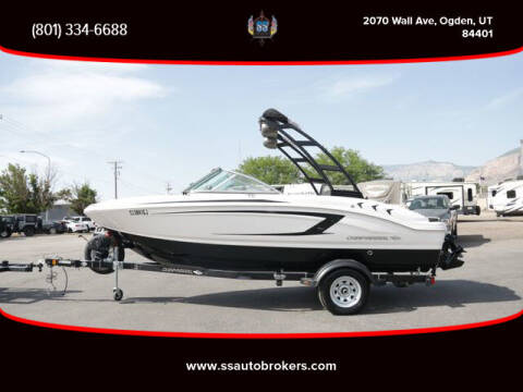 2016 Chaparral H2O 19 Sport Deluxe
