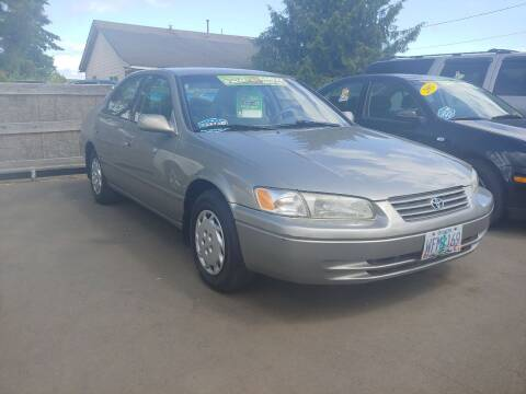 1998 Toyota Camry for sale at M AND S CAR SALES LLC in Independence OR