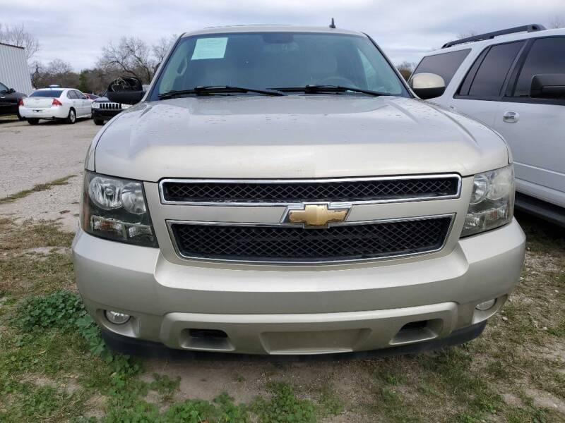2009 Chevrolet Suburban for sale at Merlo's Auto Sales LLC in San Antonio TX