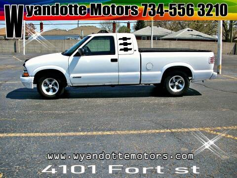 2000 Chevrolet S-10 for sale at Wyandotte Motors in Wyandotte MI
