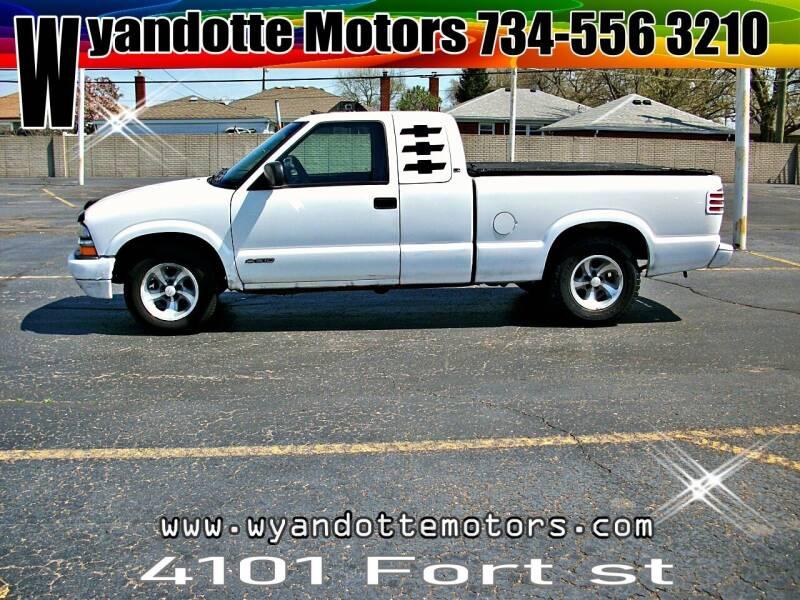 2000 Chevrolet S-10 for sale at Wyandotte Motors in Wyandotte MI