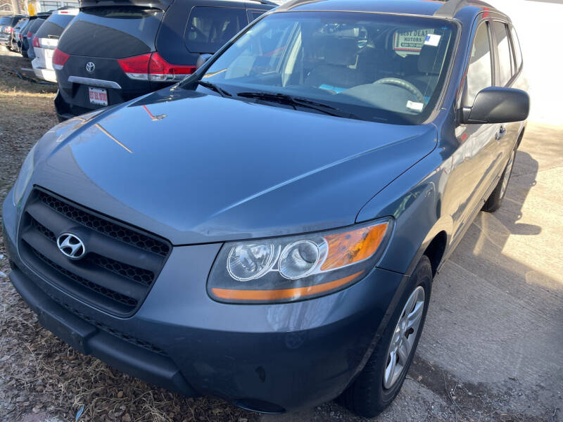 2009 Hyundai Santa Fe for sale at Best Deal Motors in Saint Charles MO