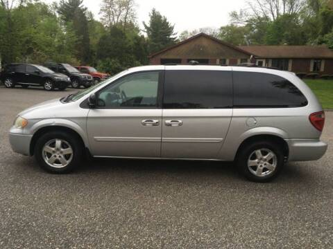 2006 Dodge Grand Caravan for sale at Lou Rivers Used Cars in Palmer MA
