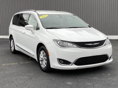 2017 Chrysler Pacifica for sale at Bankruptcy Auto Loans Now - powered by Semaj in Brighton MI