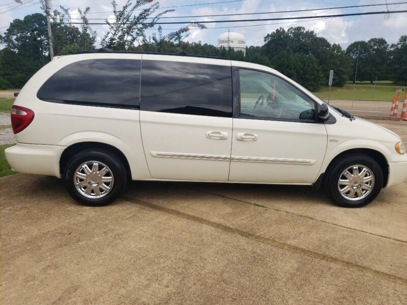 2007 Chrysler Town and Country for sale at Crossroads Outdoor in Corinth MS