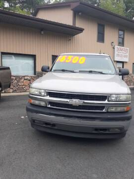 2005 Chevrolet Tahoe for sale at DORSON'S AUTO SALES in Clifford PA