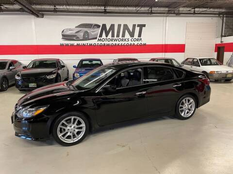 2018 Nissan Altima for sale at MINT MOTORWORKS in Addison IL
