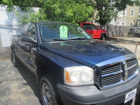 2006 Dodge Dakota for sale at MERROW WHOLESALE AUTO in Manchester NH