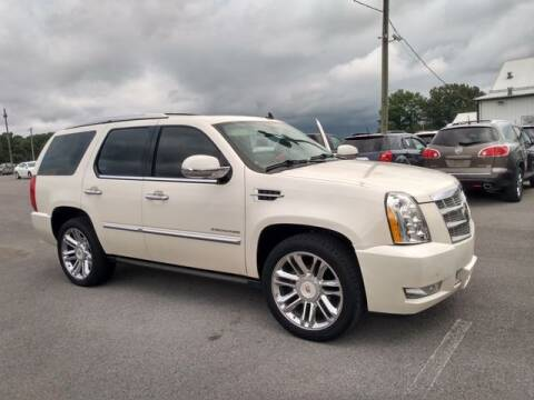 2013 Cadillac Escalade for sale at AFFORDABLE DISCOUNT AUTO in Humboldt TN