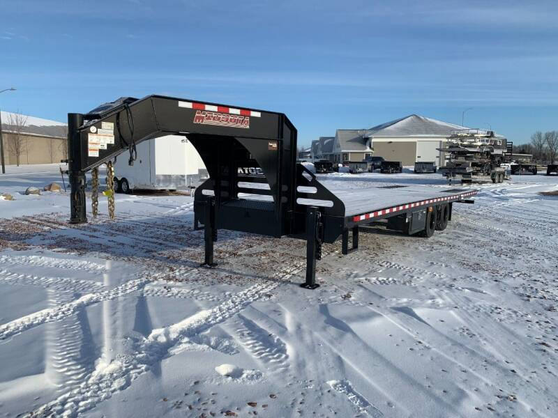 2021 Midsota FBGN-32 Hydraulic Tail #2446 for sale at Prairie Wind Trailers, LLC in Harrisburg SD