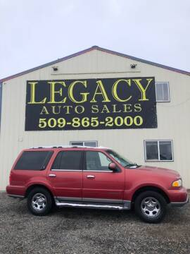 2000 Lincoln Navigator for sale at Legacy Auto Sales in Toppenish WA