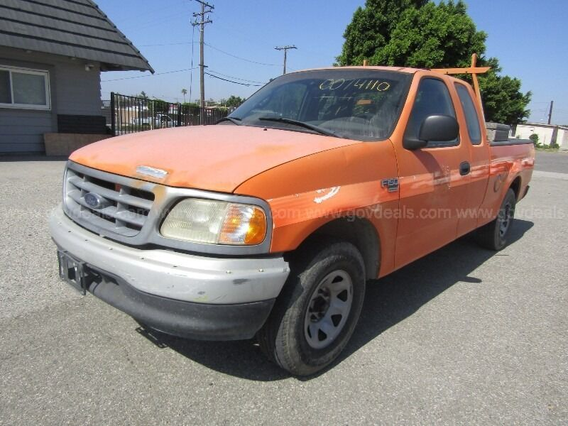 2000 Ford F-150 XL Extended Cab SB