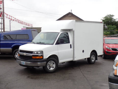 2005 Chevrolet Express Cutaway for sale at Steve & Sons Auto Sales in Happy Valley OR