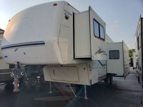 2002 Dutchmen Denali 27RL for sale at Ultimate RV in White Settlement TX