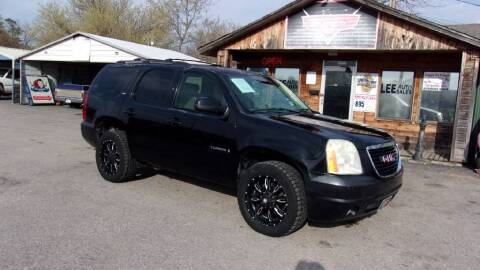 2007 GMC Yukon for sale at LEE AUTO SALES in McAlester OK