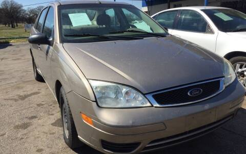 2005 Ford Focus for sale at Dave-O Motor Co. in Haltom City TX