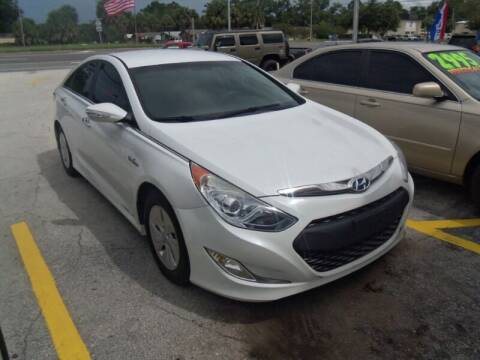 2013 Hyundai Sonata Hybrid for sale at ORANGE PARK AUTO in Jacksonville FL