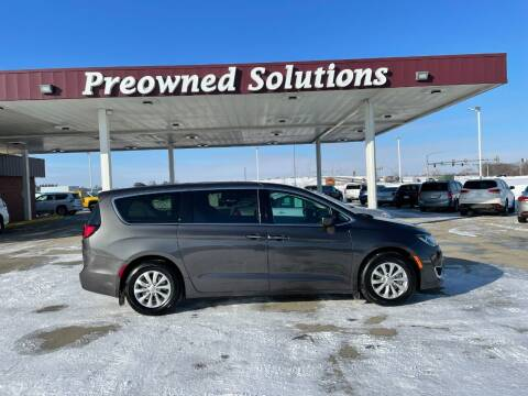 2018 Chrysler Pacifica for sale at Preowned Solutions in Urbandale IA