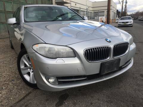 2012 BMW 5 Series for sale at Illinois Auto Sales in Paterson NJ
