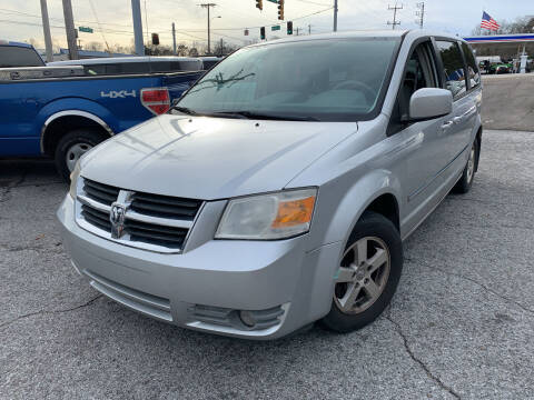 2008 Dodge Grand Caravan for sale at Diana Rico LLC in Dalton GA