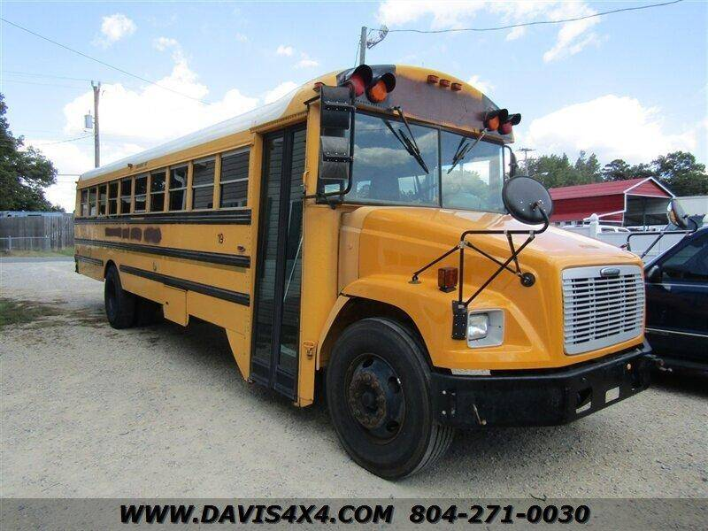 2004 Freightliner FS65 Chassis