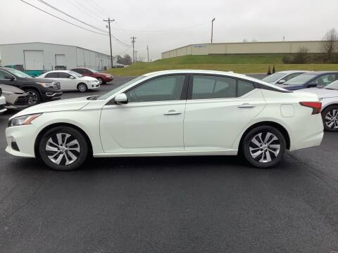 2020 Nissan Altima for sale at Auto Martt, LLC in Harrodsburg KY