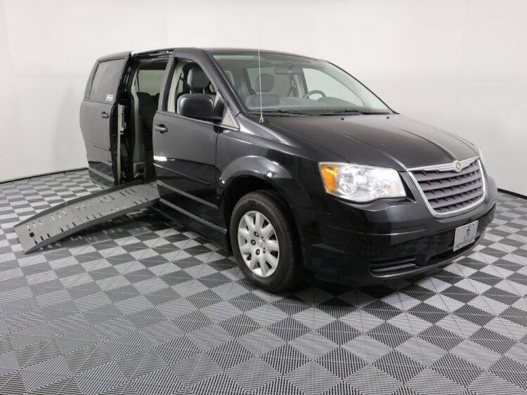 2008 Chrysler Town and Country for sale at AMS Vans in Tucker GA