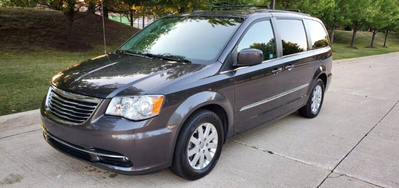 2015 Chrysler Town and Country for sale at Western Star Auto Sales in Chicago IL
