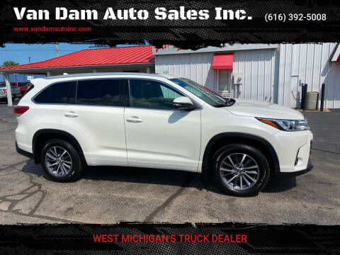 2018 Toyota Highlander for sale at Van Dam Auto Sales Inc. in Holland MI