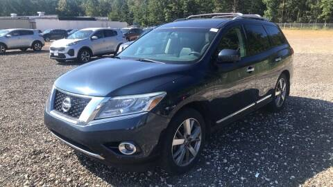 2013 Nissan Pathfinder for sale at Reyes Automotive Group in Lakewood NJ
