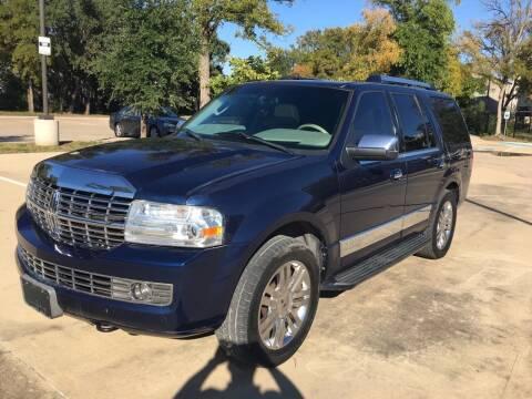 2007 Lincoln Navigator for sale at Safe Trip Auto Sales in Dallas TX
