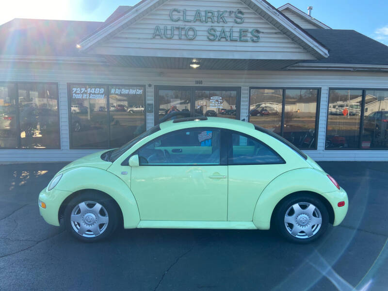 2001 Volkswagen New Beetle for sale at Clarks Auto Sales in Middletown OH
