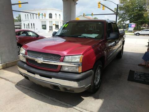 2004 Chevrolet Silverado 1500 for sale at ROBINSON AUTO BROKERS in Dallas NC