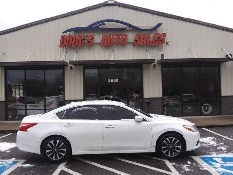 2016 Nissan Altima for sale at DOUG'S AUTO SALES INC in Pleasant View TN