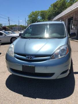 2006 Toyota Sienna for sale at Leo Auto Sales in Warwick RI