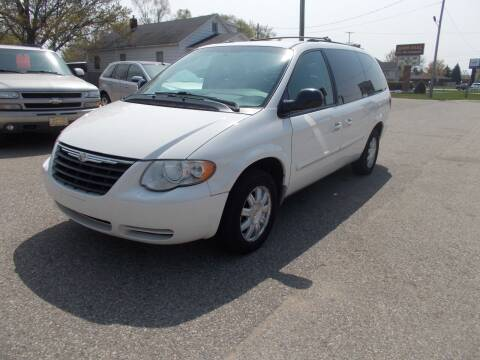 2005 Chrysler Town and Country for sale at Jenison Auto Sales in Jenison MI