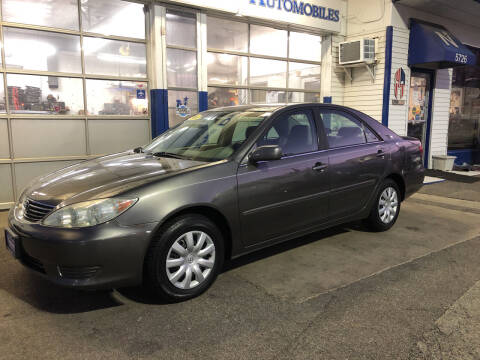 2005 Toyota Camry for sale at Jack E. Stewart's Northwest Auto Sales, Inc. in Chicago IL
