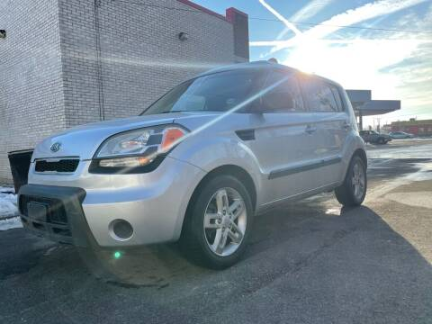 2011 Kia Soul for sale at JE Auto Sales LLC in Indianapolis IN