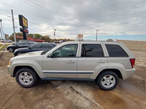 2007 Jeep Grand Cherokee for sale at BIG 7 USED CARS INC in League City TX