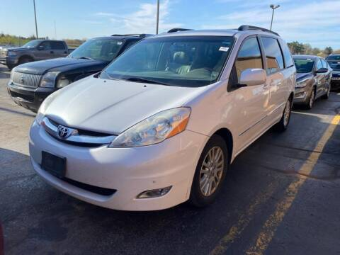 2007 Toyota Sienna for sale at Best Auto & tires inc in Milwaukee WI