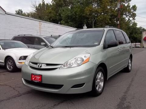 2007 Toyota Sienna for sale at 1st Choice Auto Sales in Fairfax VA